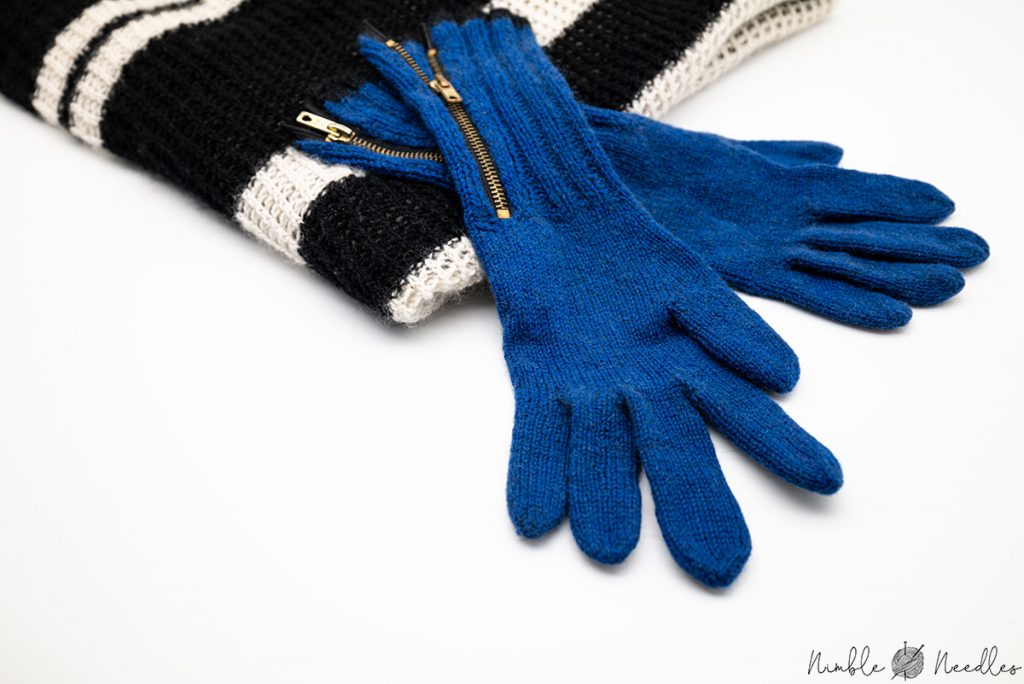 blue gloves with zipper and cashmere scarf