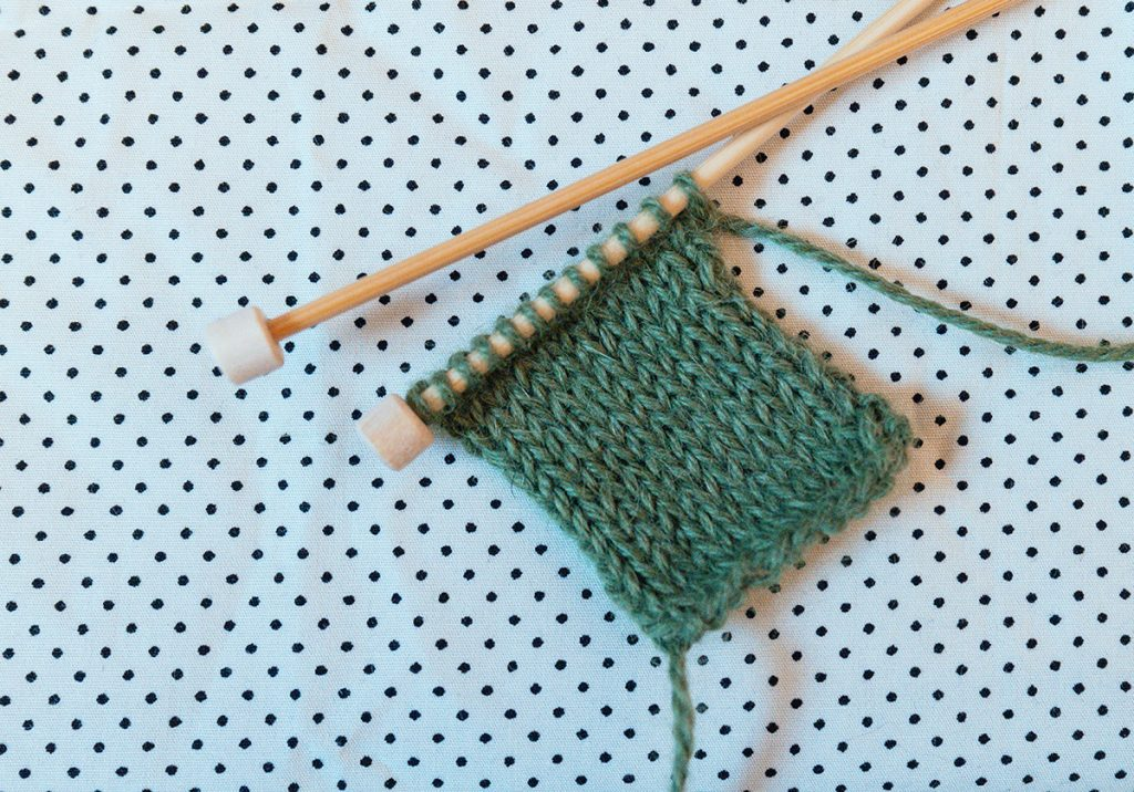 Bamboo single pointed needles are best for knitting beginners
