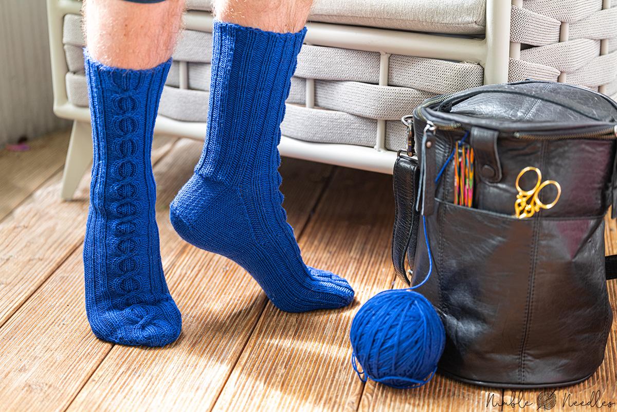 Easy men's sock knitting pattern on circular needles [for ...