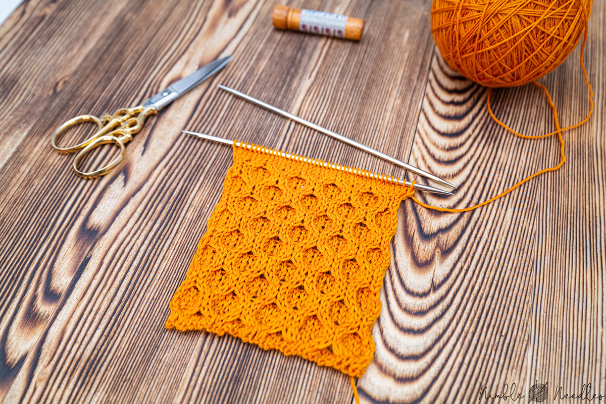 How to knit the Honeycomb Cable Stitch pattern for ...