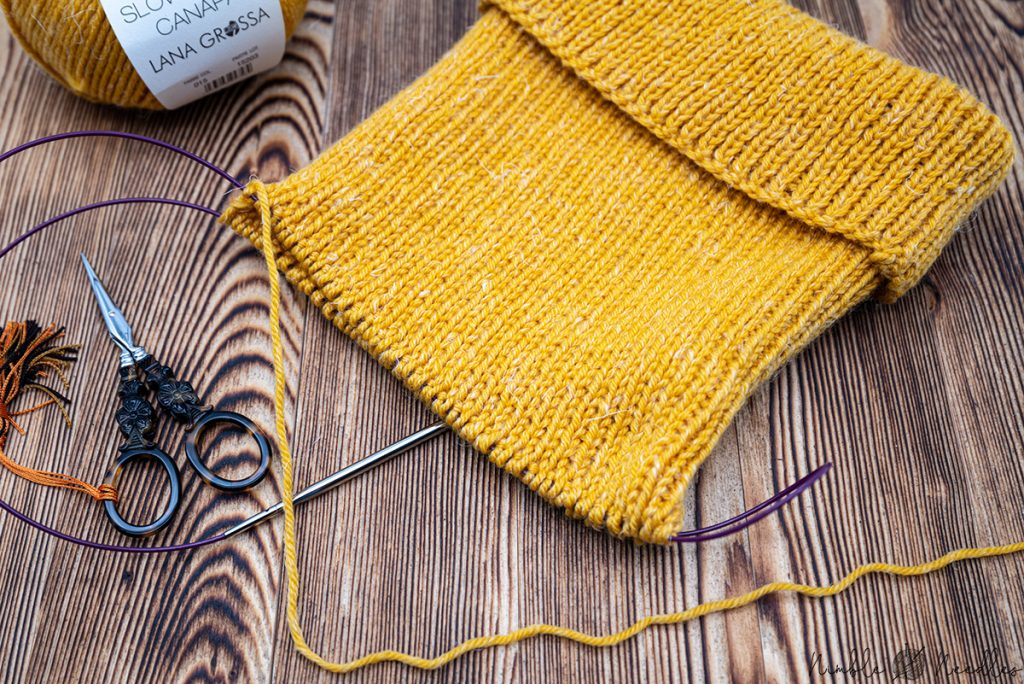 knitting the hipster beanie with the magic loop on circular needles