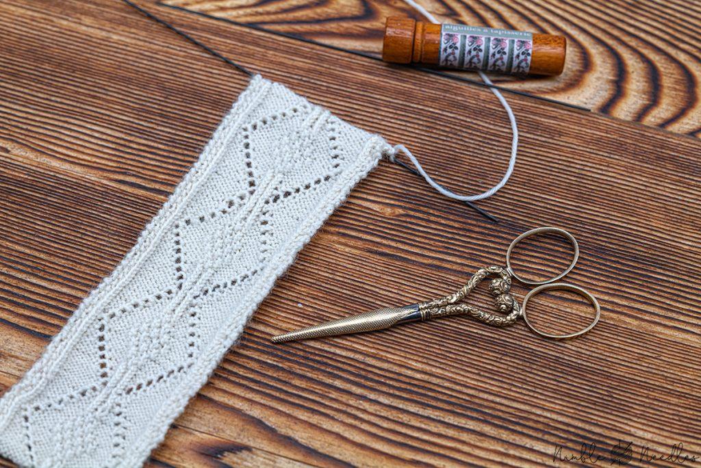 knitting the bookmark pattern on 1.00 mm nneedles