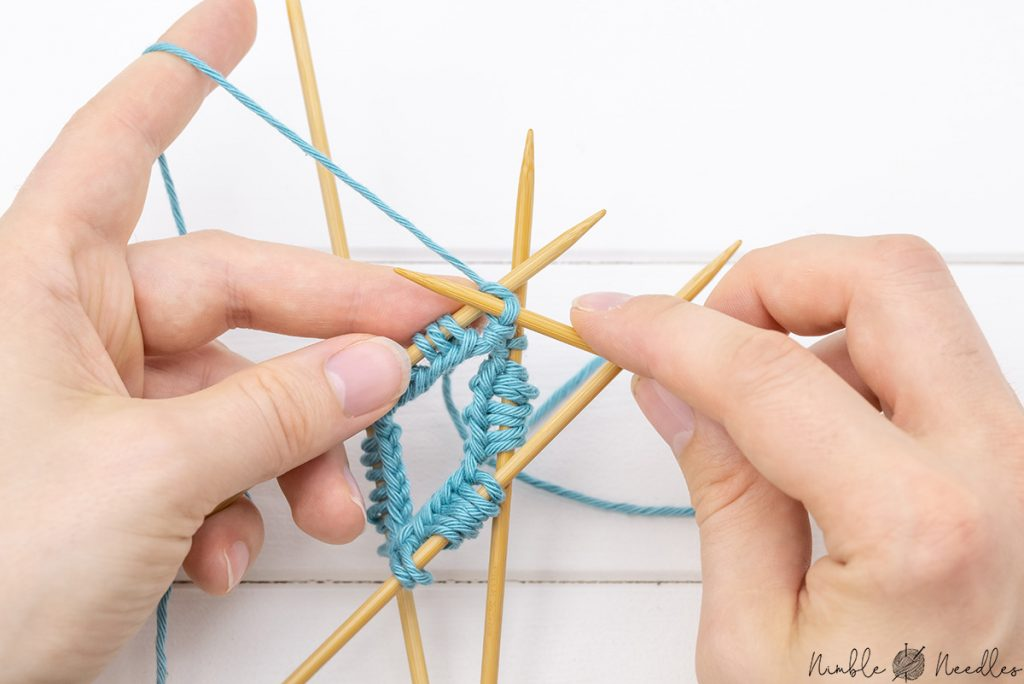 knitting the first stitch in the round with double-pointed needles
