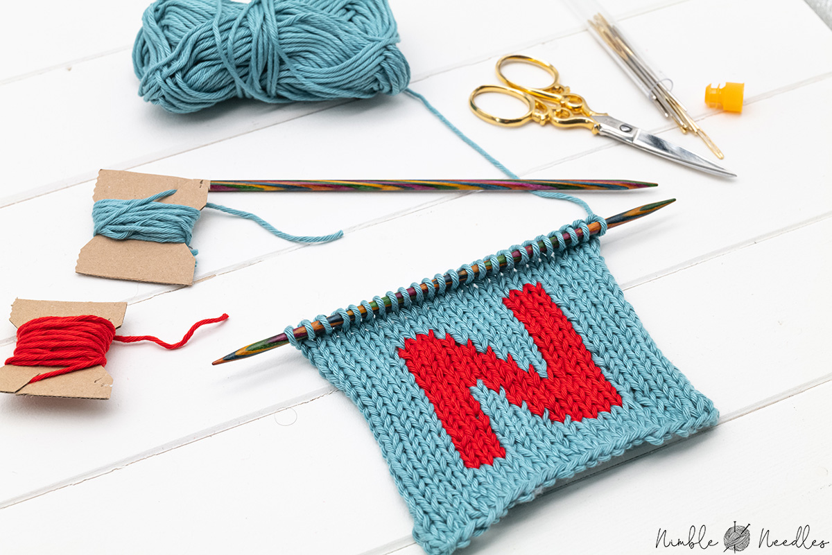 Intarsia knitting for beginners [Video + tips & tricks]