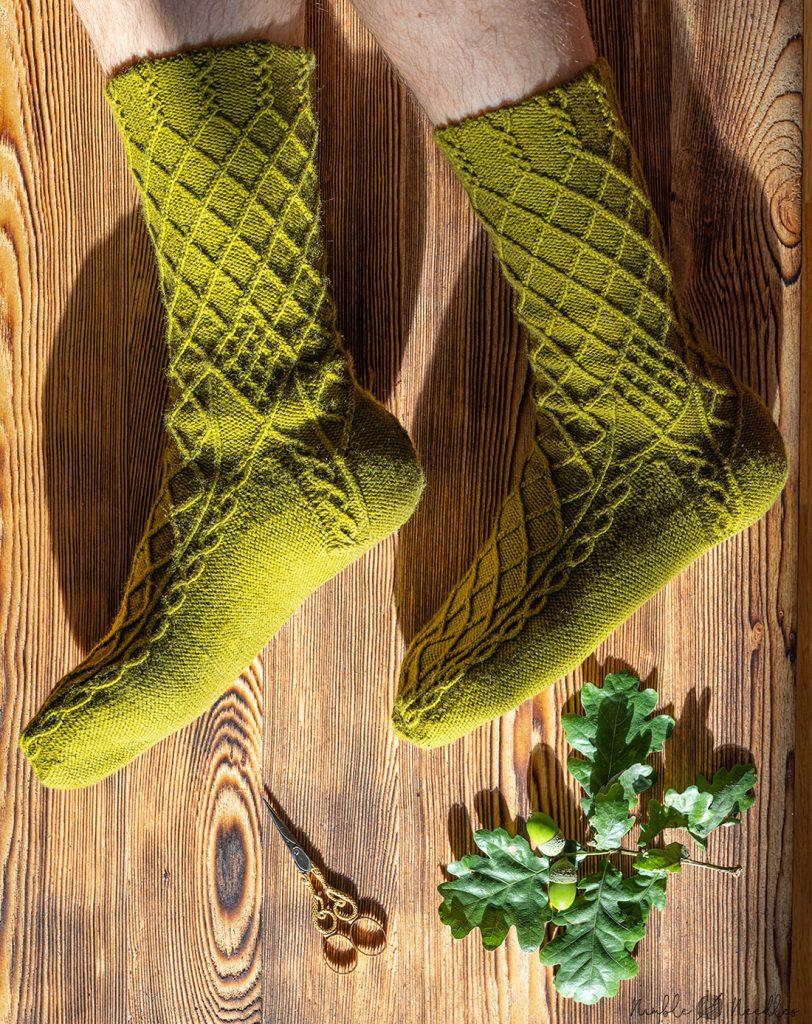 Bavarian knitted socks auf zur dult modeled on my feet