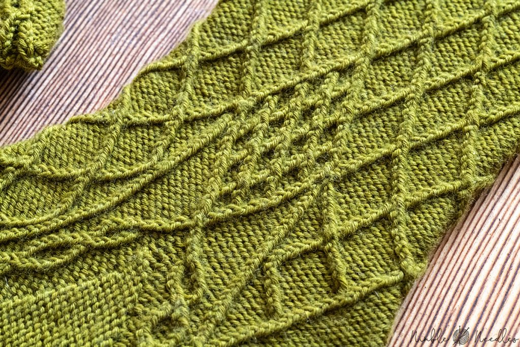close-up of a gusset pattern knit in bavarian twisted stitches