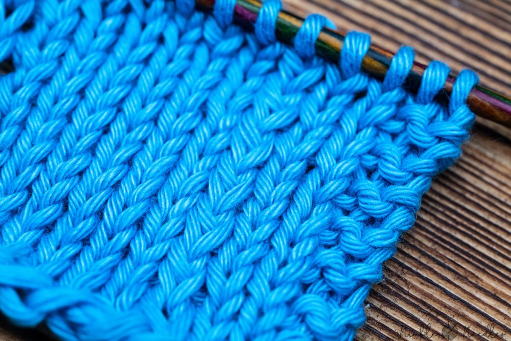 close-up of a swatch in k1tog LL