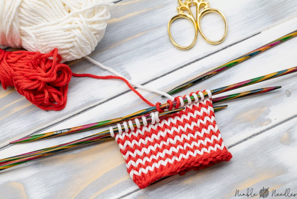 a swatch with jogless stripes knit in the round using the helix knitting method