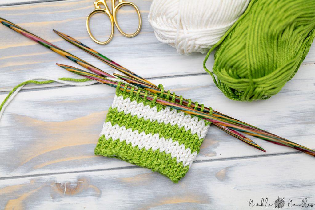 A swatch knit with traveling jogless stripes