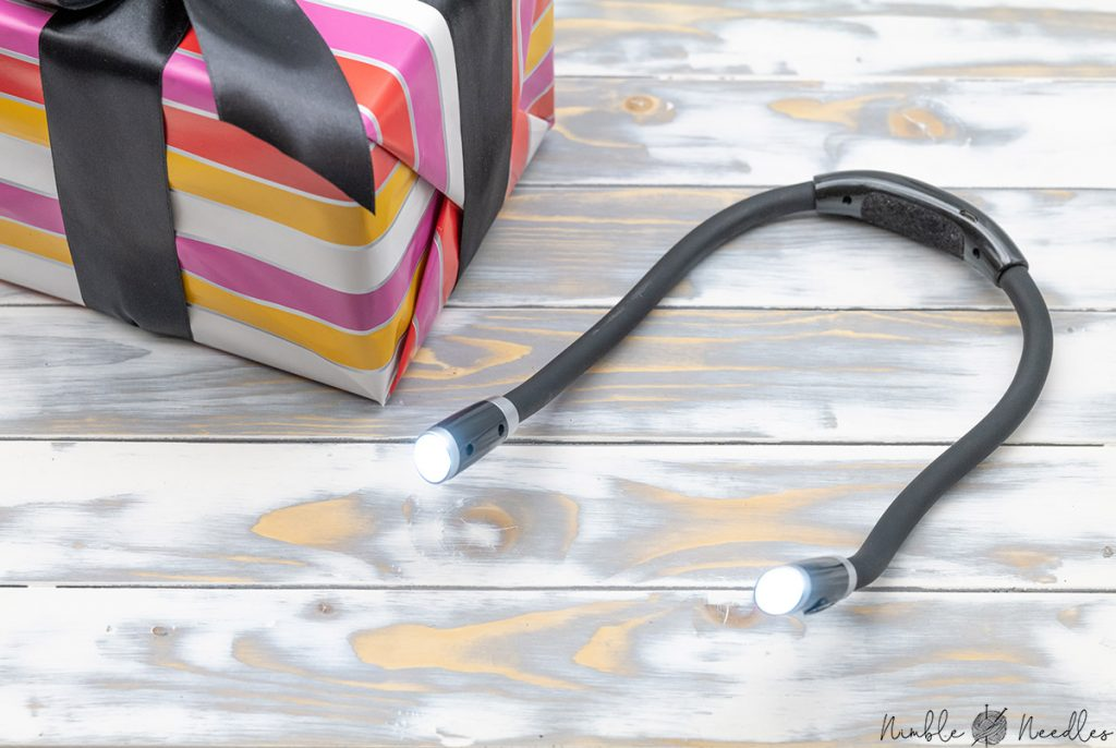 A wearable led light - the perfect and rather inexpensive gift for knitters