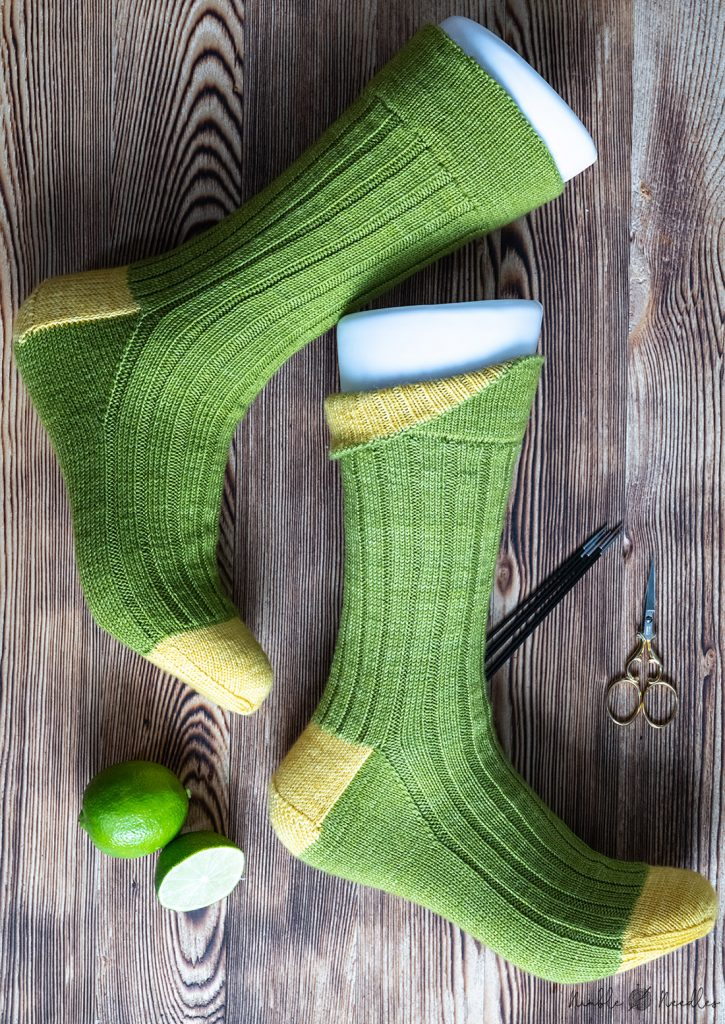 ribbing socks with inverted hem decorated with some limes and cute scissors