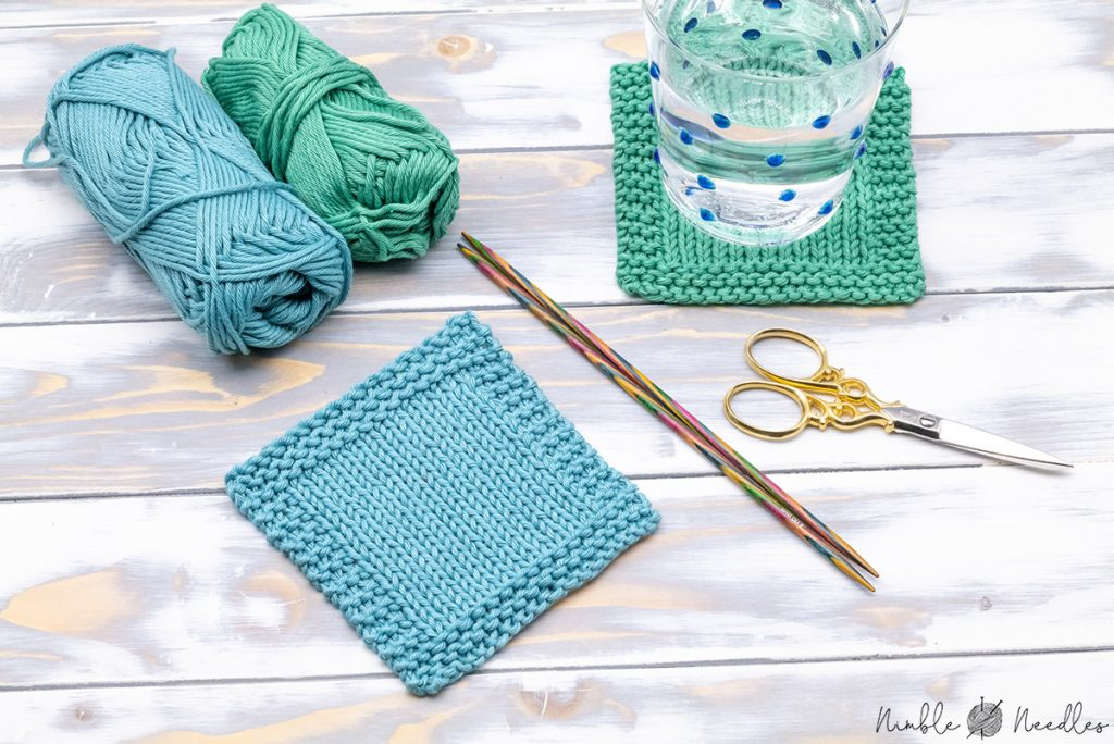 easy coaster knitting pattern - square stockinette stitch with a garter stitch selvage