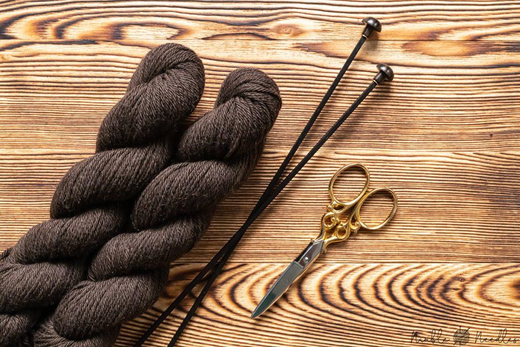 100% pure yak wool in undyed hanks (dark brown)