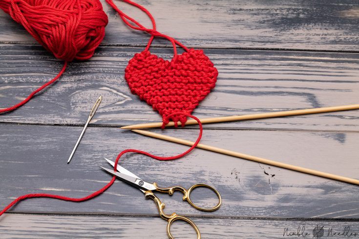 INSTRUCTIONS FOR KNITTING A HEART SHAPE