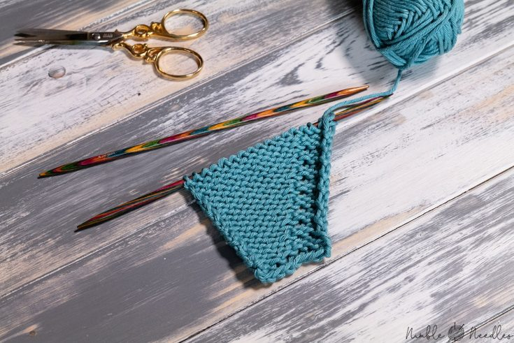a knitted swatch increased with the kfb knitting stitch on the right side