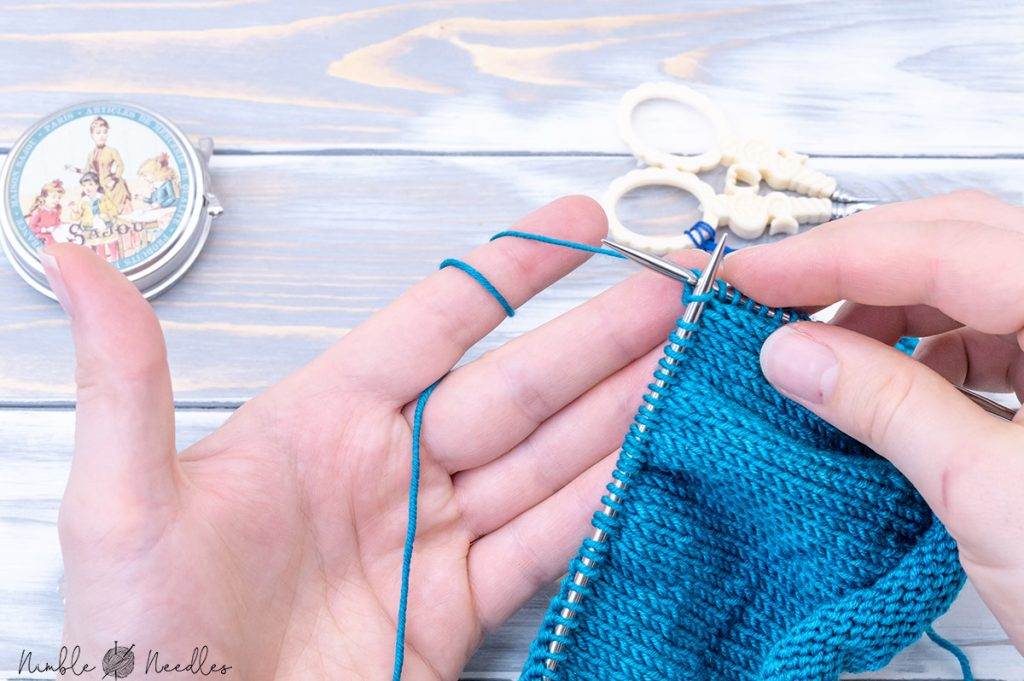 an alternative way to tension your yarn continental knitting by wrapping it around the index finger twice