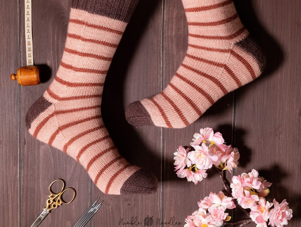 a easy stripped sock knitting pattern for beginners