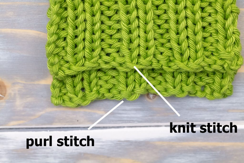 comparing two different cast on edges for the 2x2 rib stitch