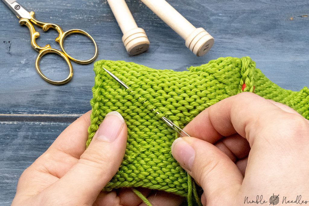 How to weave in ends - step by step