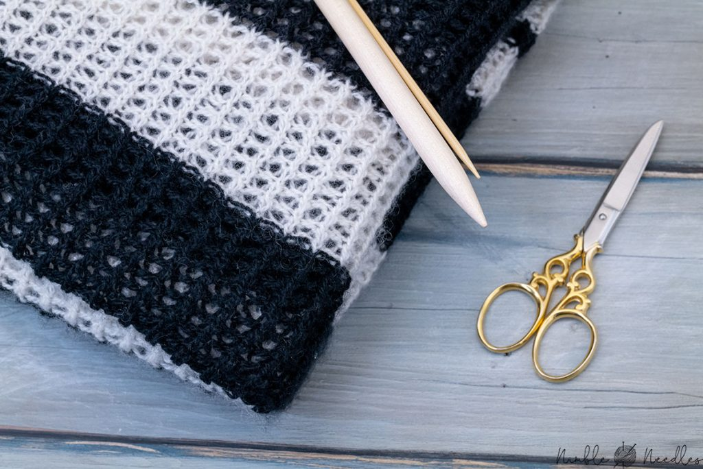 knitting fancy pattern with two different needle sizes