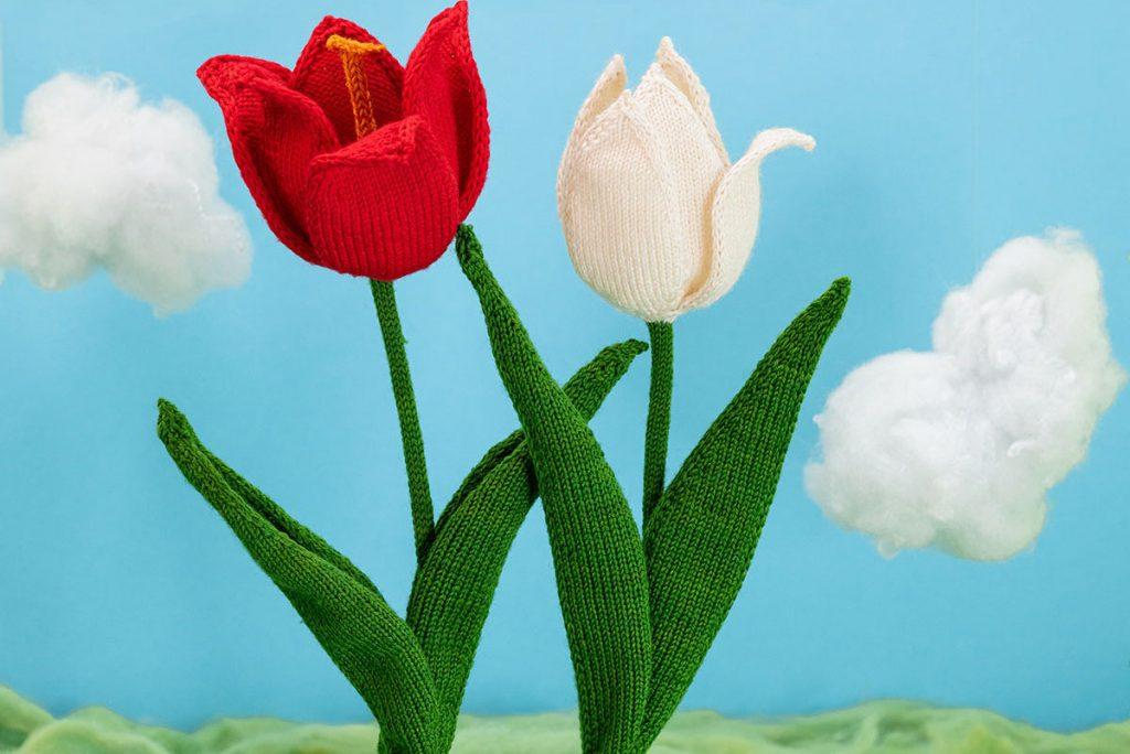 a super realistic tulip knitting pattern