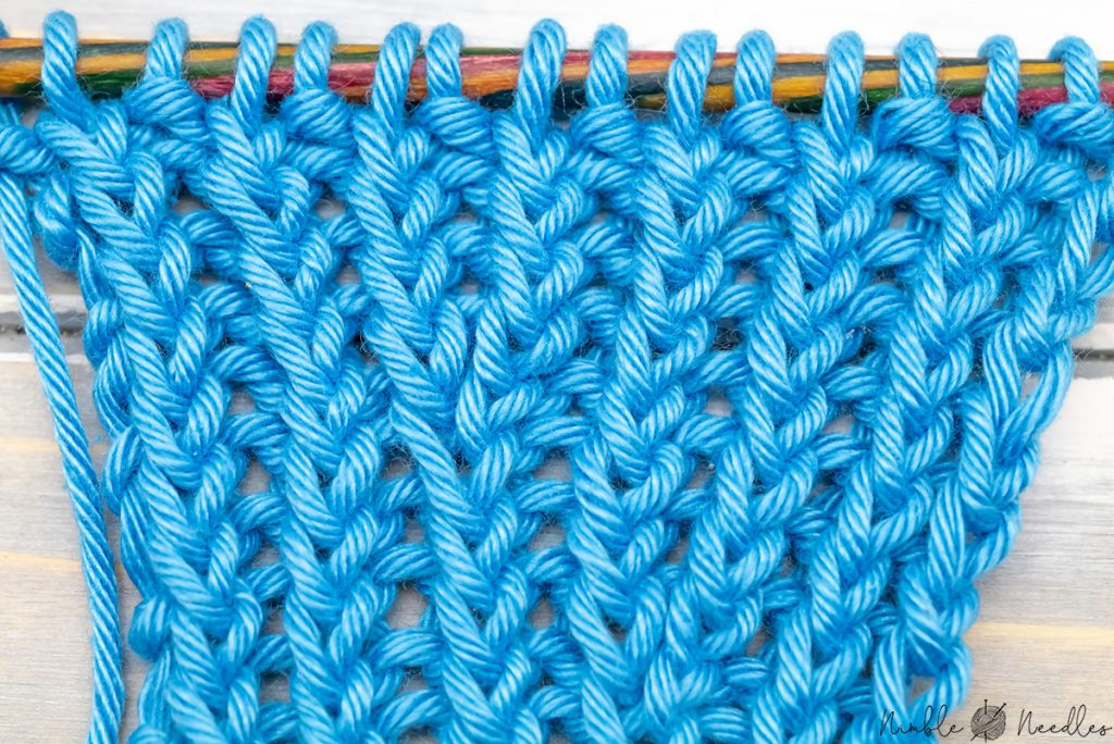 a twisted rib stitch increased in an invisible way using lifted increases