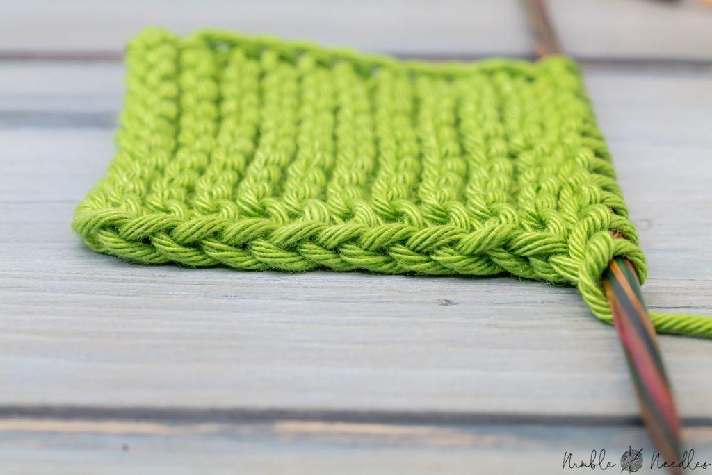 close up of a garter stitch chain stitch selvage
