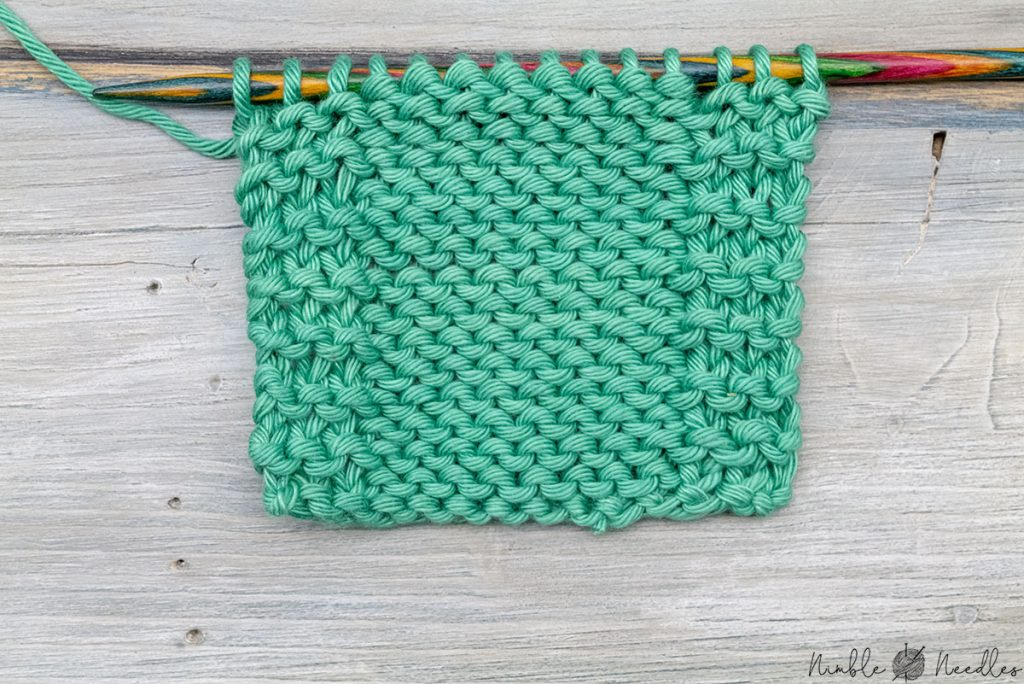 wrong side of a triple garter stitch selvage