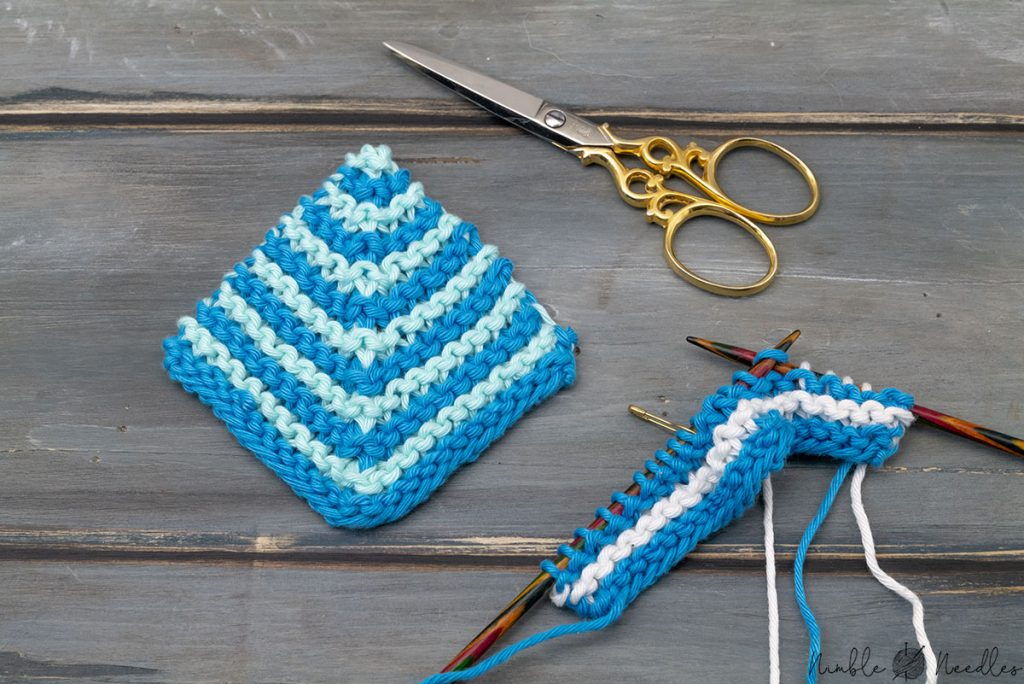knitting a mitered square in two colors /stripes