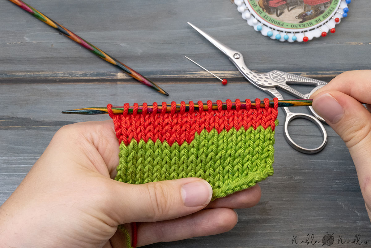 changing colors with the back to back join shown on a knitted swatch