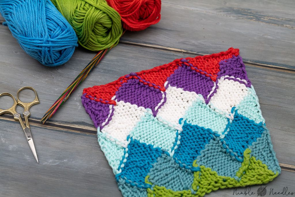 the wrong side of the entrelac knitting pattern