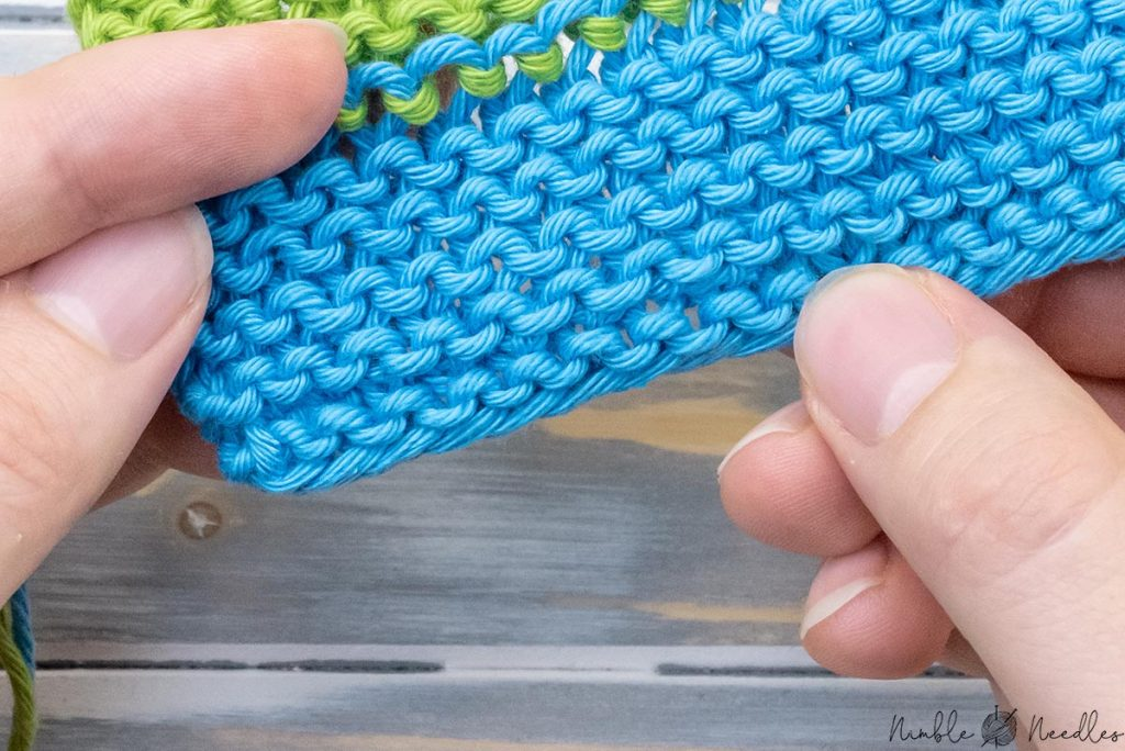 the result: a totally invisible way to weave in tails for garter stitch